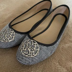 Black and White Flats size 8